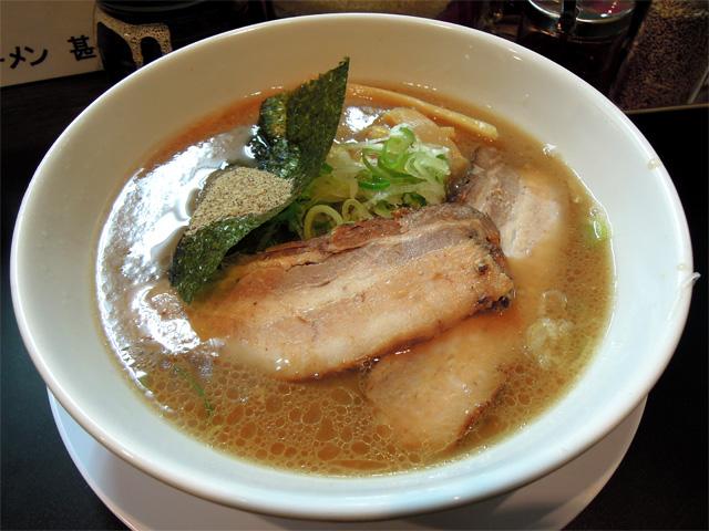 特製豚骨しょうゆ(にぼし)