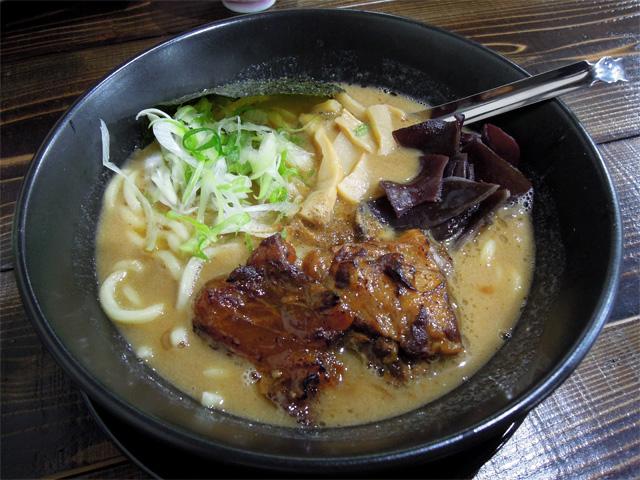 特濃豚骨醤油(太麺)
