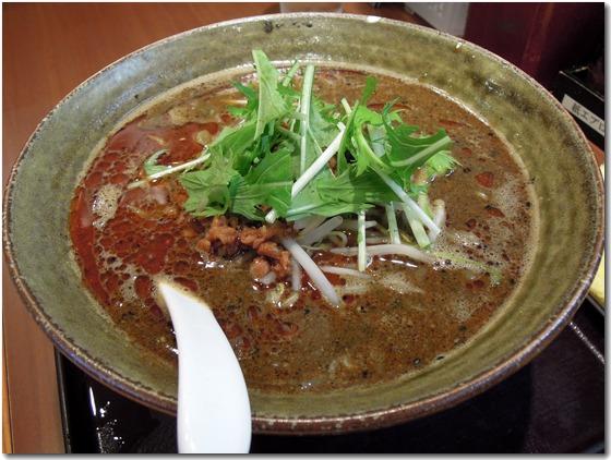 黒ごま味噌担々麺
