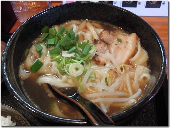 醤油刀削麺