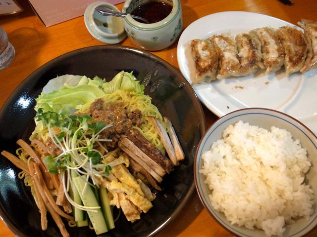 冷しタンタン麺ギョウザライス