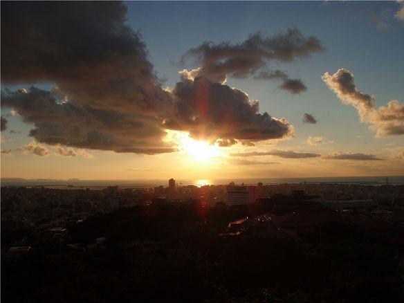 首里城より 夕日 その2