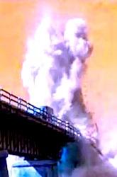 h16橋大爆発h250