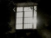 h17窓の明かり200