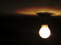 s02暗闇白熱灯01