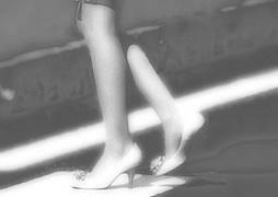 s09少女脚んー申込みモノクロ