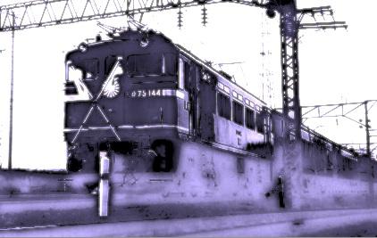 ha01044train.jpg