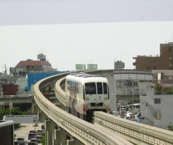 首里城デザンインラッピング車