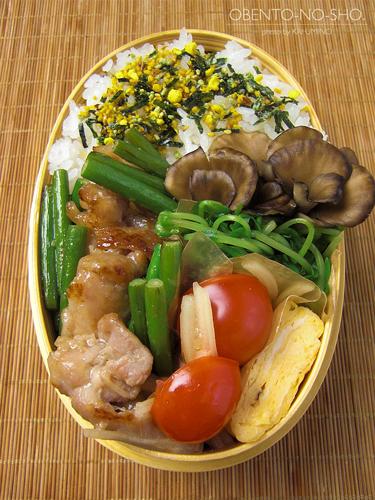 豚バラの醤油麹炒め弁当02