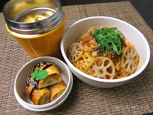蓮根の味噌ミートパスタ&揚げバナナ弁当01