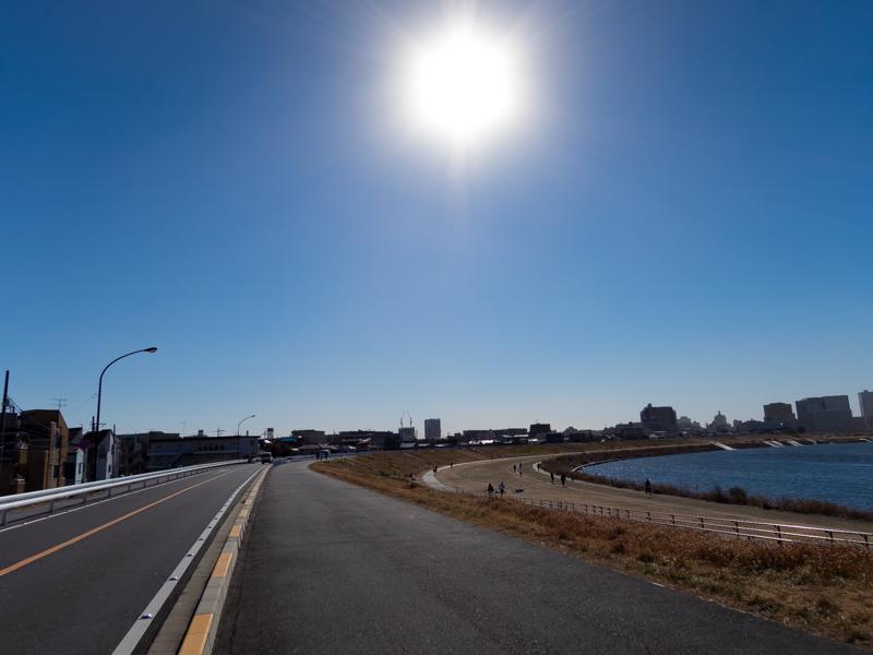 多摩川、スーパー堤防付近