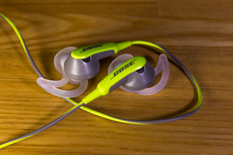 iPod shuffle & Bose SIE2 sport headphones(1)