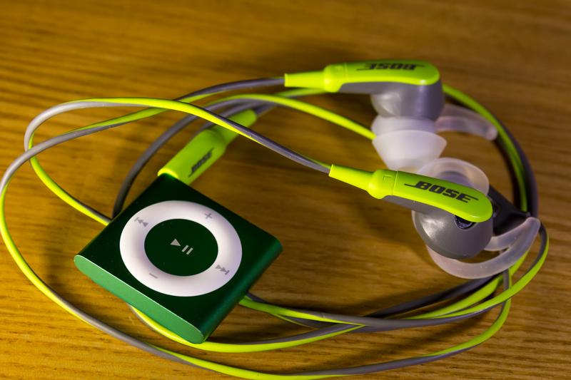 iPod shuffle & Bose SIE2 sport headphones(3)