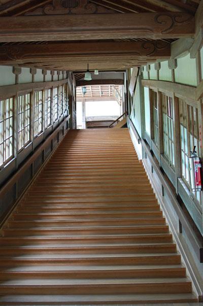 永平寺の階段