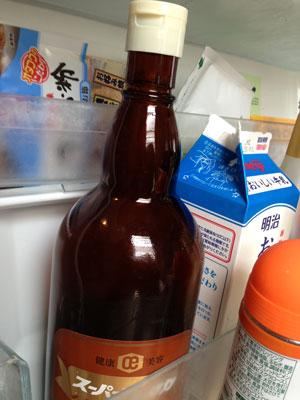 冷蔵庫で大高酵素を冷やす