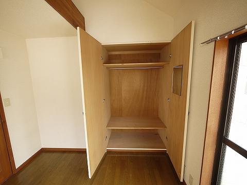 ETハウス202洋室収納