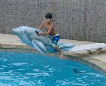 swim06171202.jpg