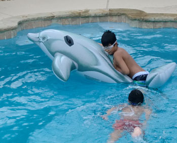 swim06171204.jpg