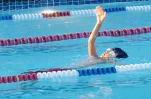 swim08011203.jpg