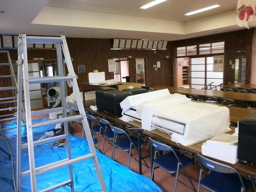 山口市阿知須 O施設様 三菱パッケージエアコン天吊り形新規取付工事