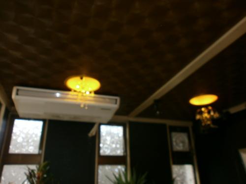 山口市阿知須 阿知須駅前 おすすめの飲み屋さん しのぶ LED電球取り付け