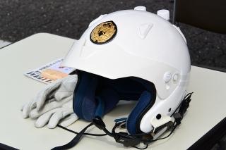 白バイ ヘルメット
