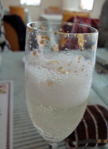 金粉入りノンアルコールワイン