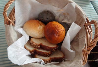 自家製のパンも色々とー