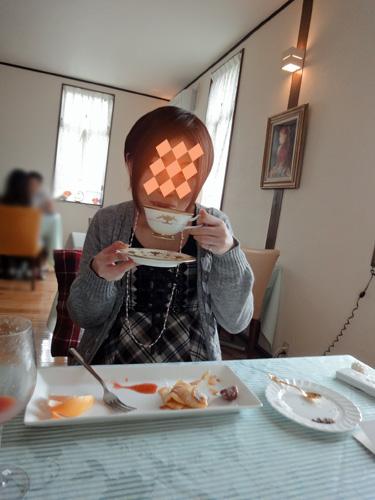 バースデイコーヒーを飲むネェネェ