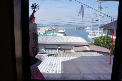 漁火 2階の窓から港が見えます