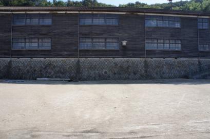 木造校舎の真鍋中学校