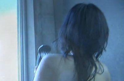 【山田誉子】一糸まとわぬ姿を披露するシャワーシーン