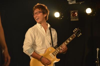 4_1美夏奈ギター2