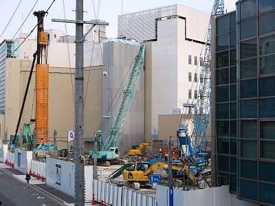基礎工事中と見られる建替部分