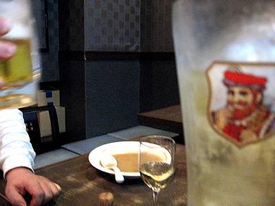 生ビールとスパークリングワインとヒゲのハイボール