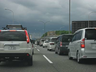 渋滞の中国道
