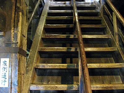 松江城の階段