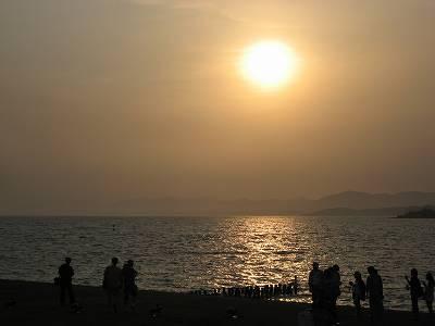 島根県立美術館前から夕日を望む