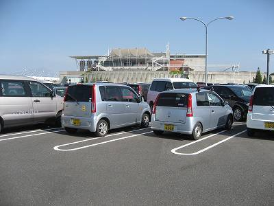WINS米子の駐車場