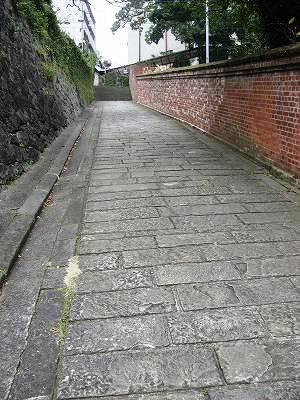 オランダ坂奥の坂