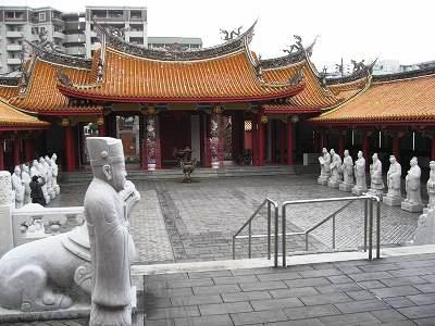 孔子廟の敷地内2
