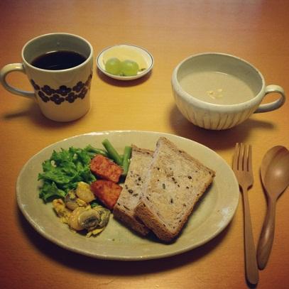 牛蒡と京芋のポタージュの朝ごはん