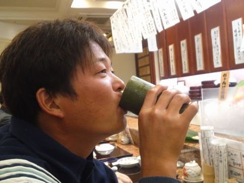 SN3S1043sushi.jpg