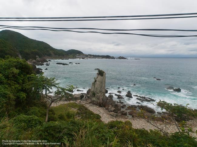 紀勢本線(きのくに線)の車窓の景色(見老津駅の手前辺りの海)
