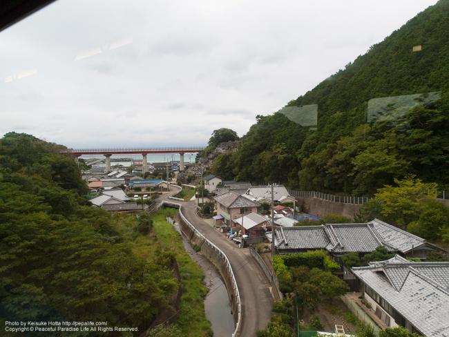 紀勢本線(きのくに線)の車窓の景色(見老津駅-江住駅間の辺り)