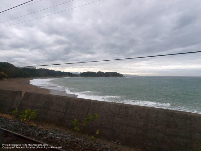 紀勢本線(きのくに線)の車窓の景色(南部駅の手前の辺り)