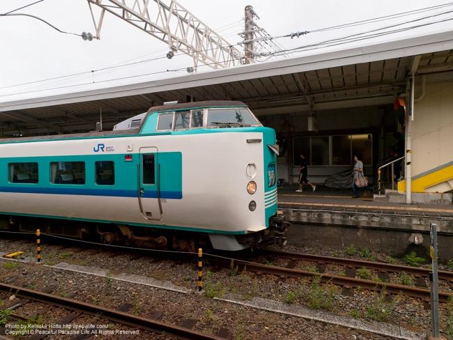 串本駅に停車していた特急くろしお(381系)