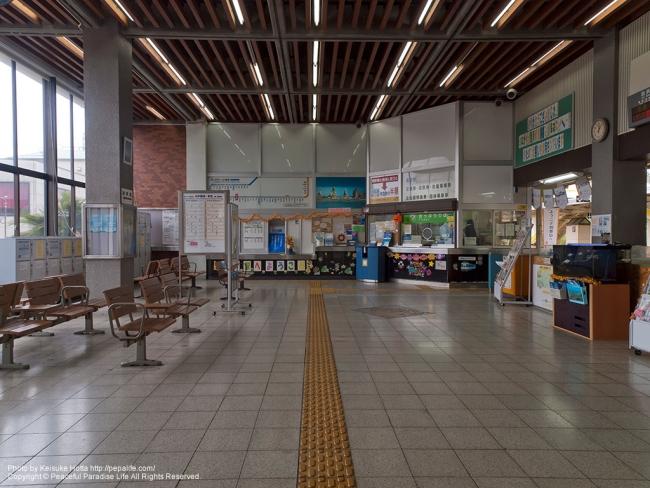 串本駅の待合所