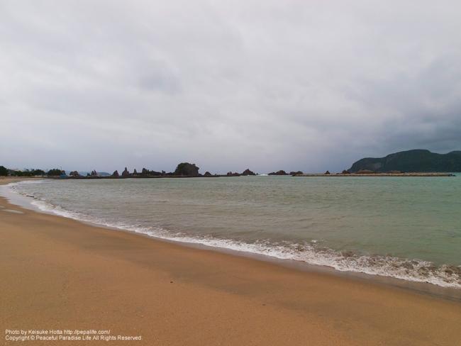 橋杭岩海水浴場の砂浜