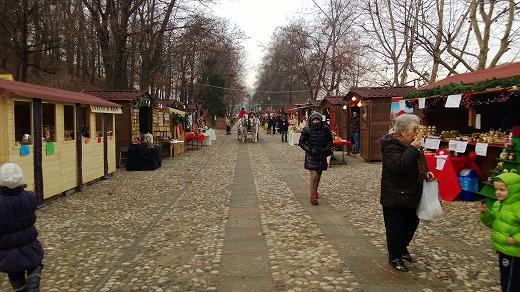 ゴヴォーネ村のクリスマスマーケット